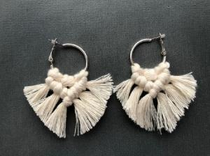 Bukuri earrings beige